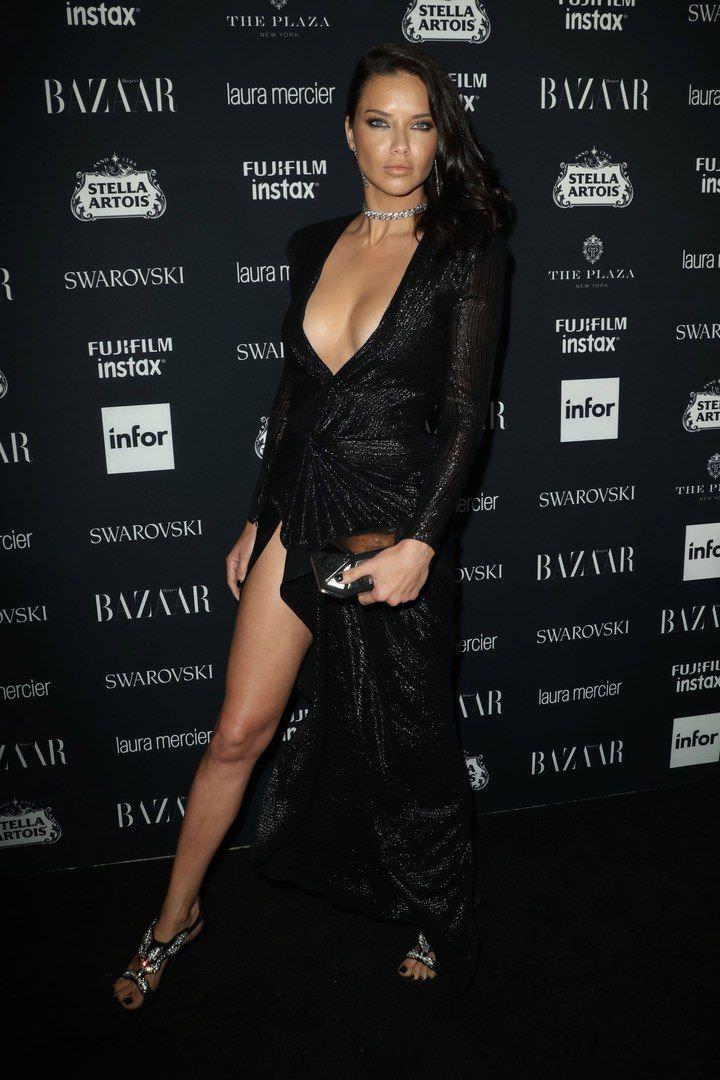 Андриана Лима фото в черном платье
