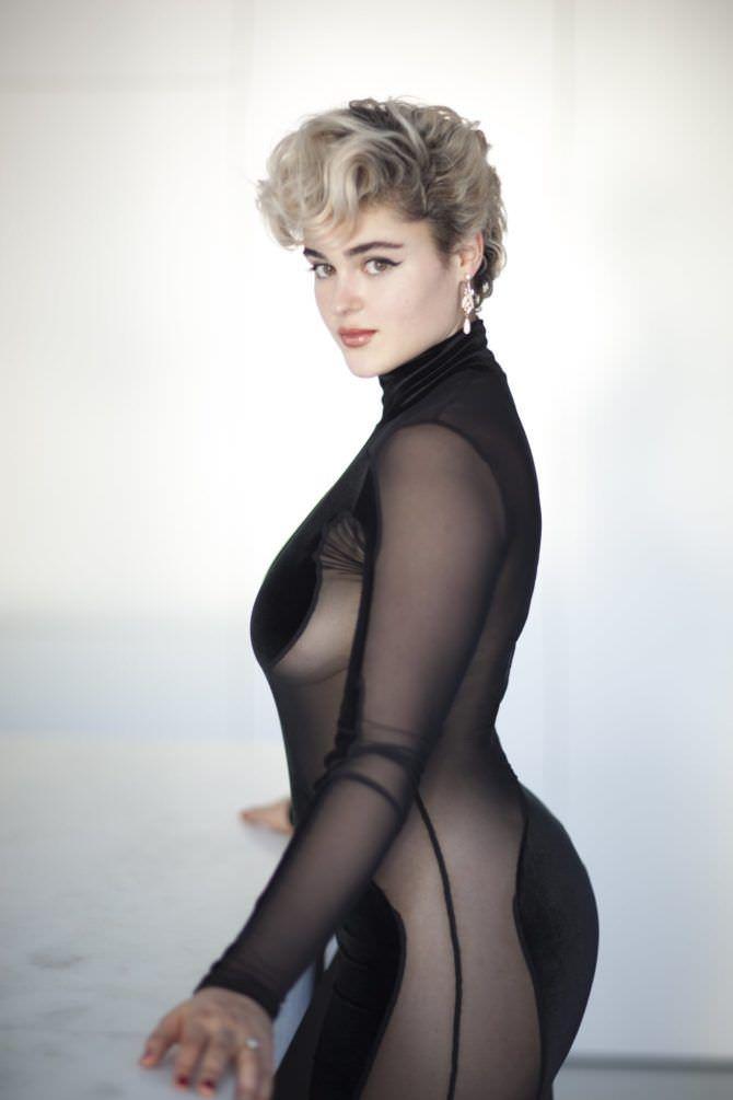 Стефания Феррарио фотография в капроновом платье