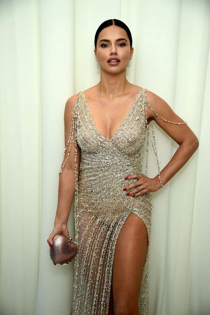 Адриана Лима фото в платье
