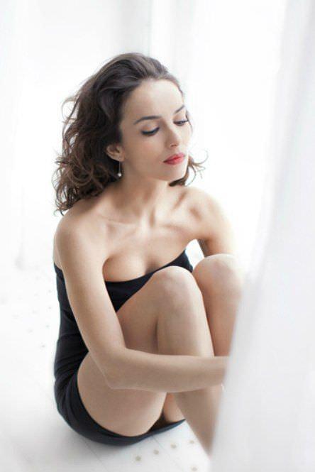 Юлия Зимина фото на подоконнике
