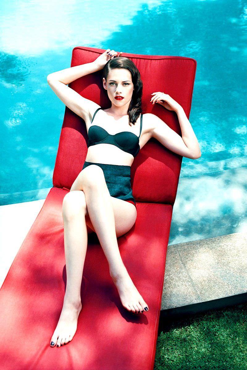 Кристен Стюарт фото в купальнике