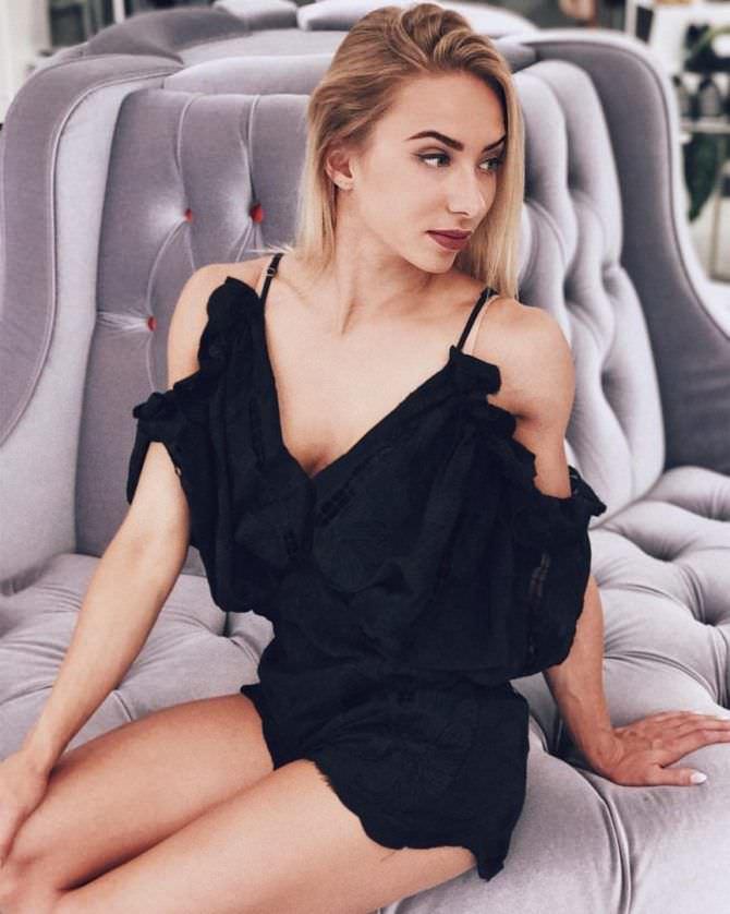 Мария Соколова фото на кресле