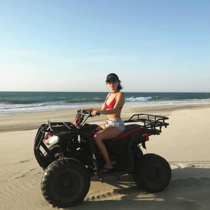 Изабела Монер фотография на квадроцикле
