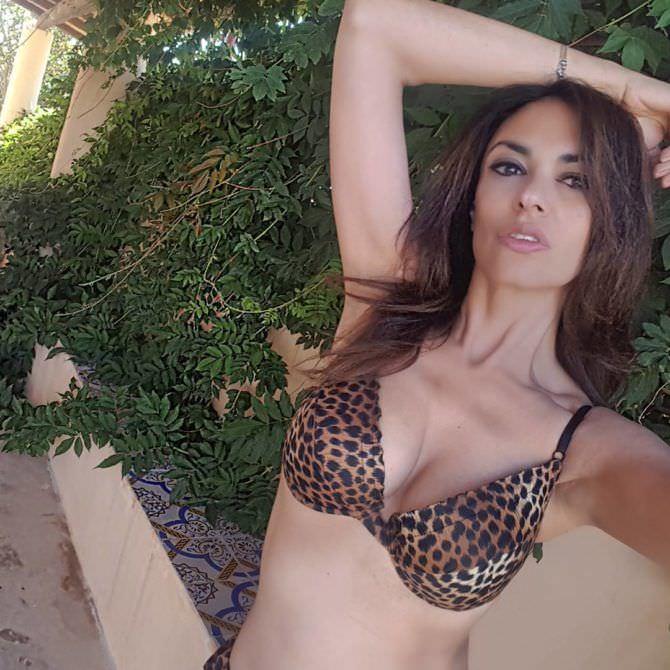 Мария Грация Кучинотта фото в купальнике в инстаграм