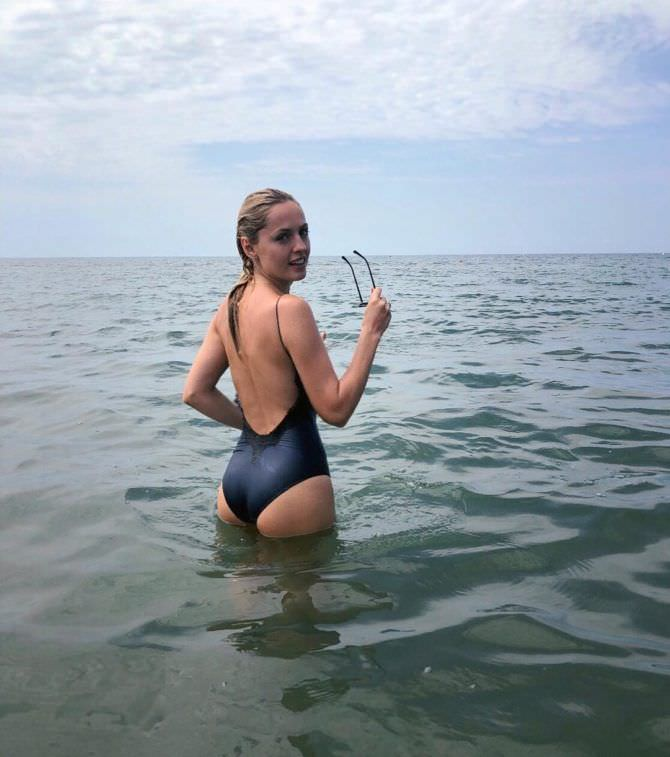 Янина Студилина фото в море