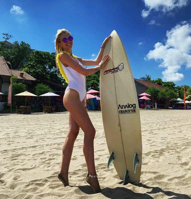 Ангелина Айсман фото на пляже в инстаграм