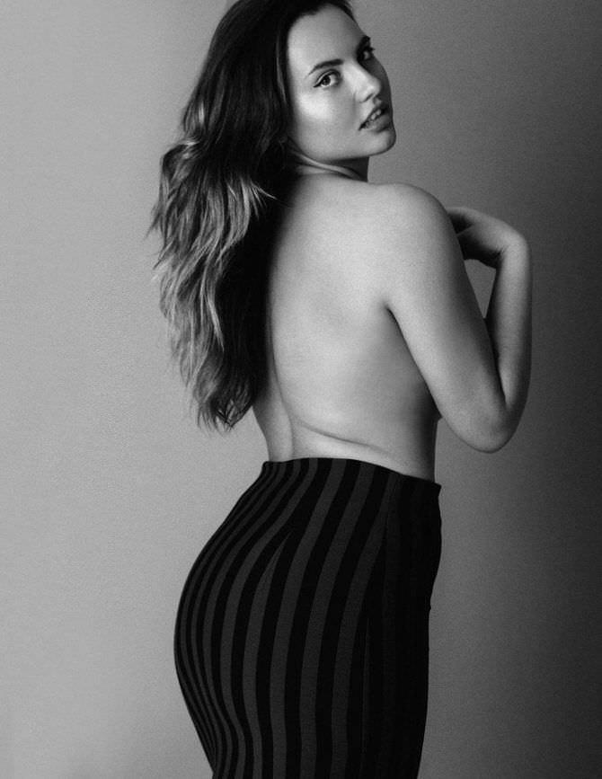 Анна Крылова откровенное фото в юбке