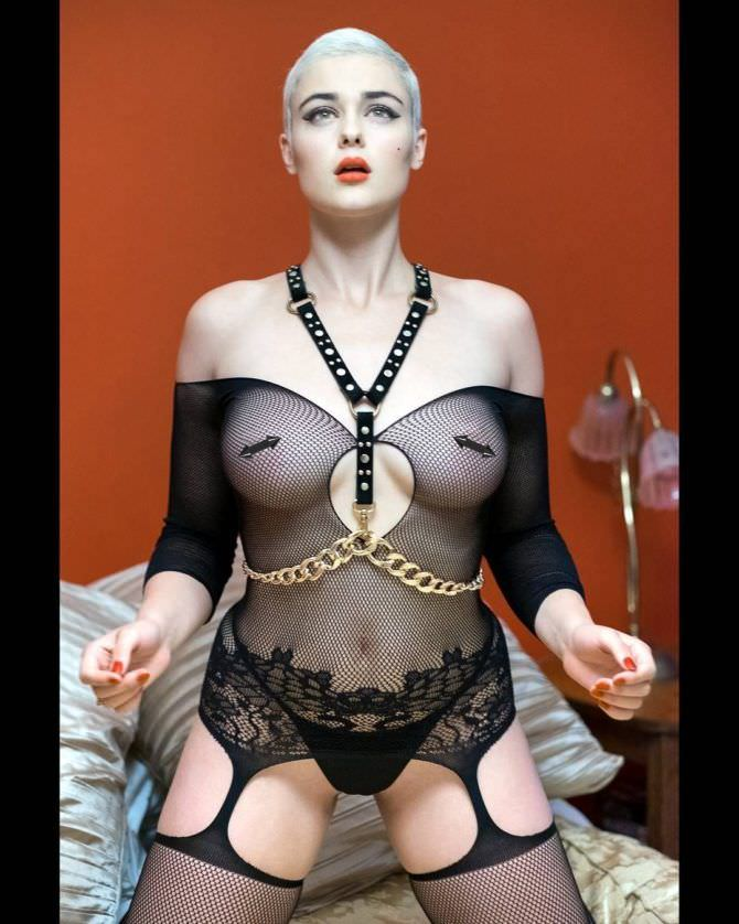 Стефания Феррарио фотография в сексуальном белье