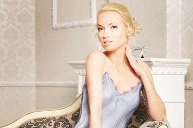 Анастасия Гулимова фото в майке