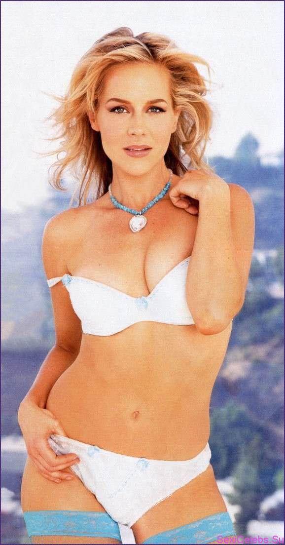 Джули Бенц фото в белом белье