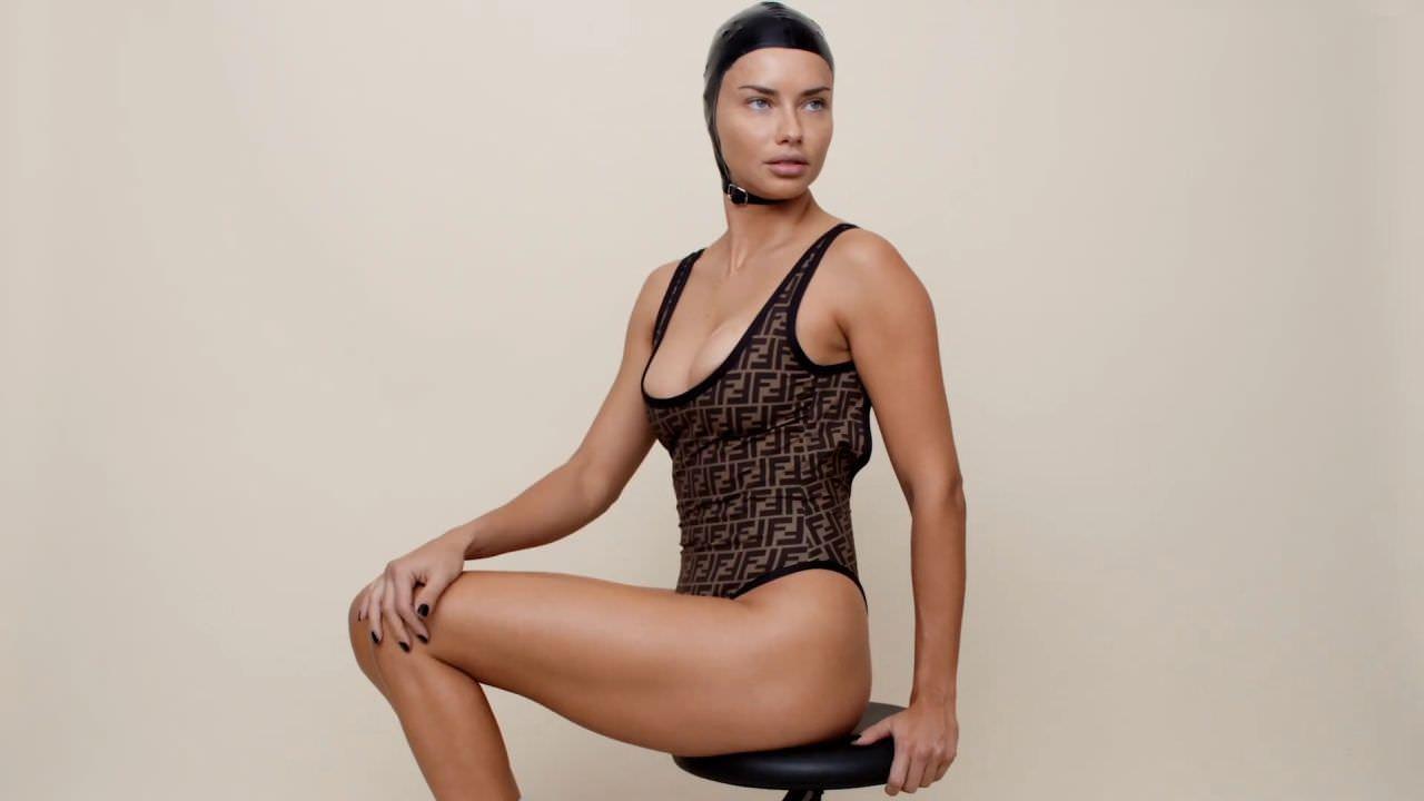 Адриана Лима фото в боди