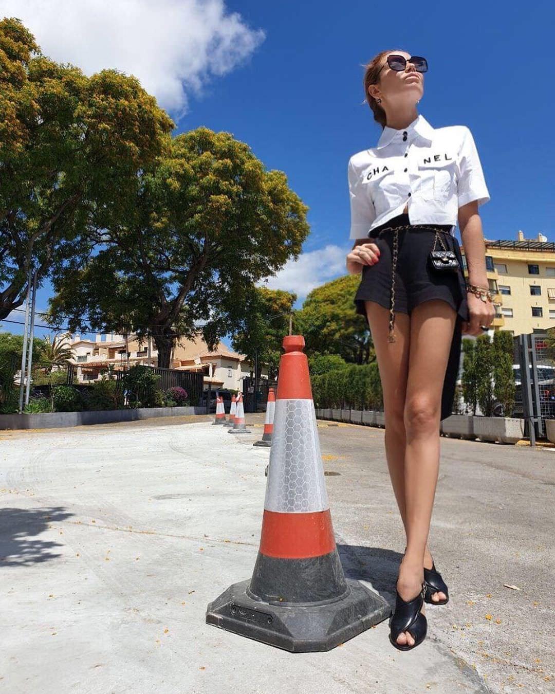 Ляйсан Утяшева фото на улице