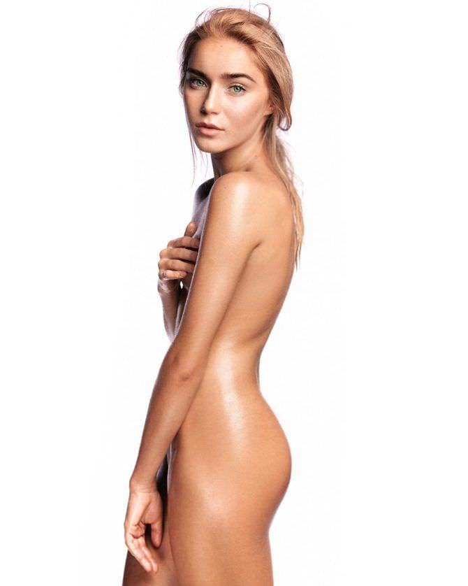 Арина Постникова откровенное фото в инстаграм без одежды