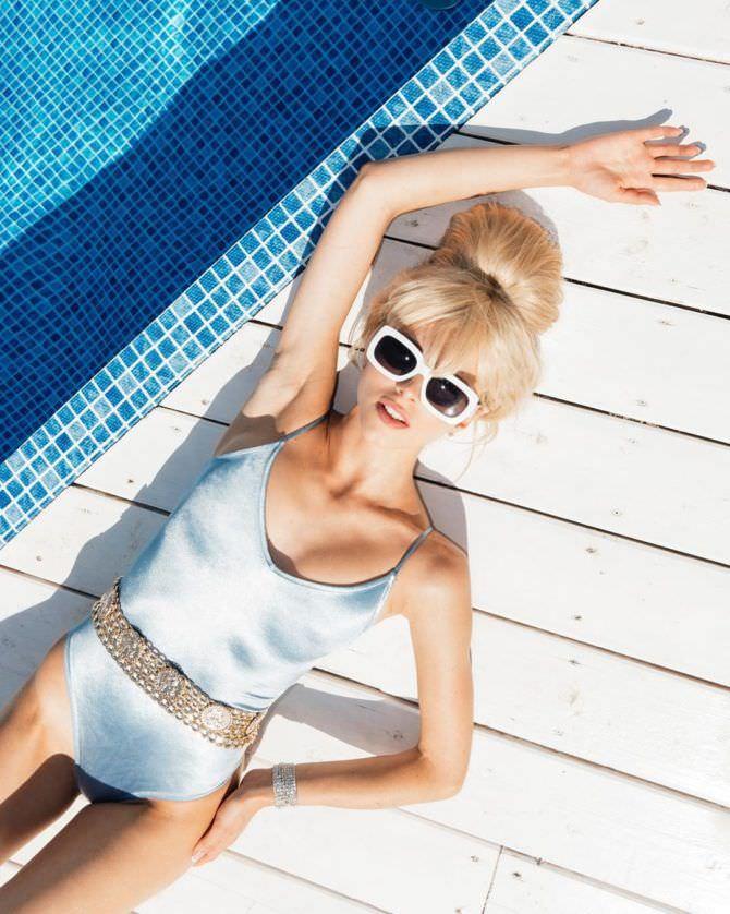 Ангелина Айсман фотография в купальнике с поясом