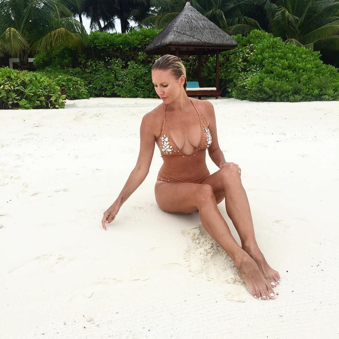 Елена Леучая фото на белом песке