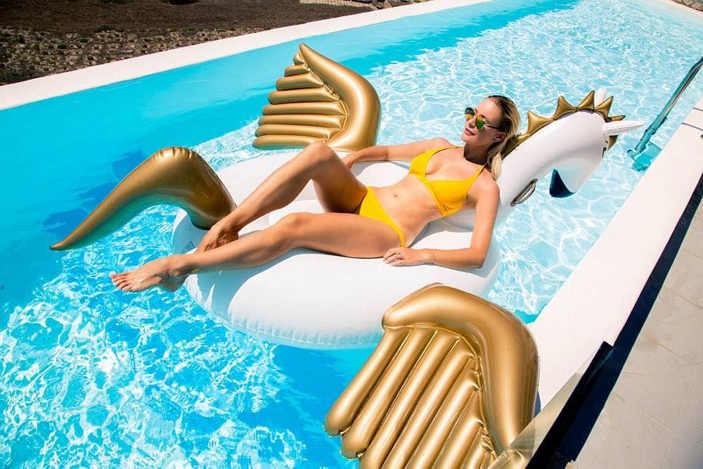 Елена Летучая фото в бассейне
