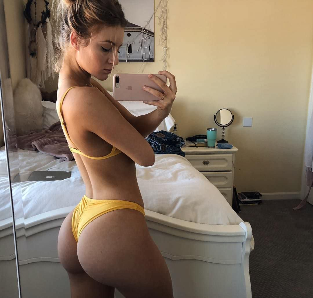 Дейзи Кич фото в желтом белье