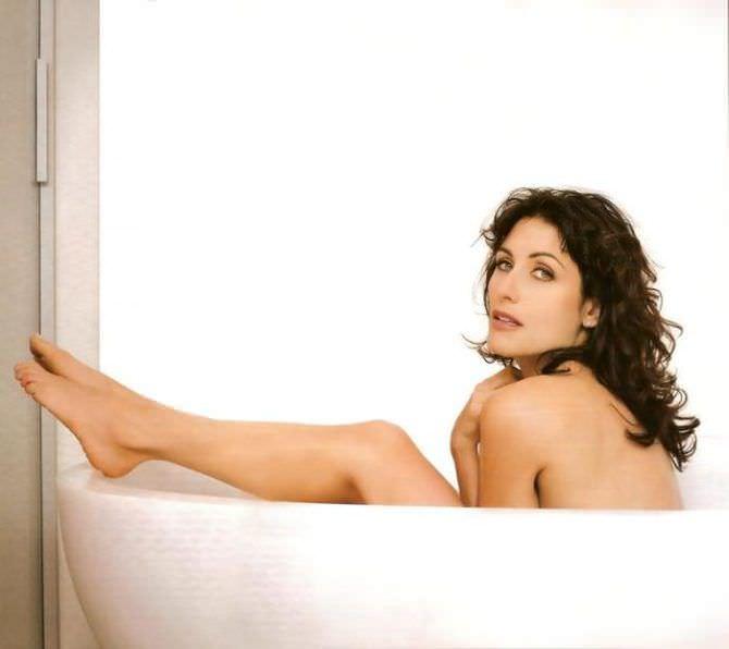 Лиза Эдельштейн фотосессия в ванне из журнала