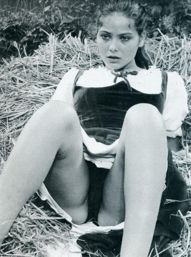 Орнелла Мути фото в молодости в платье