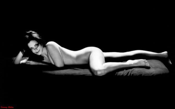 Мэри-Луиз Паркер фото на диване