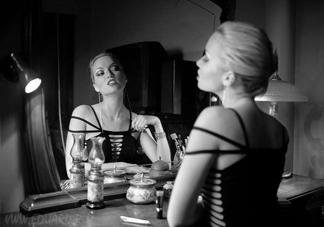 Анастасия Гулимова черно-белое фото