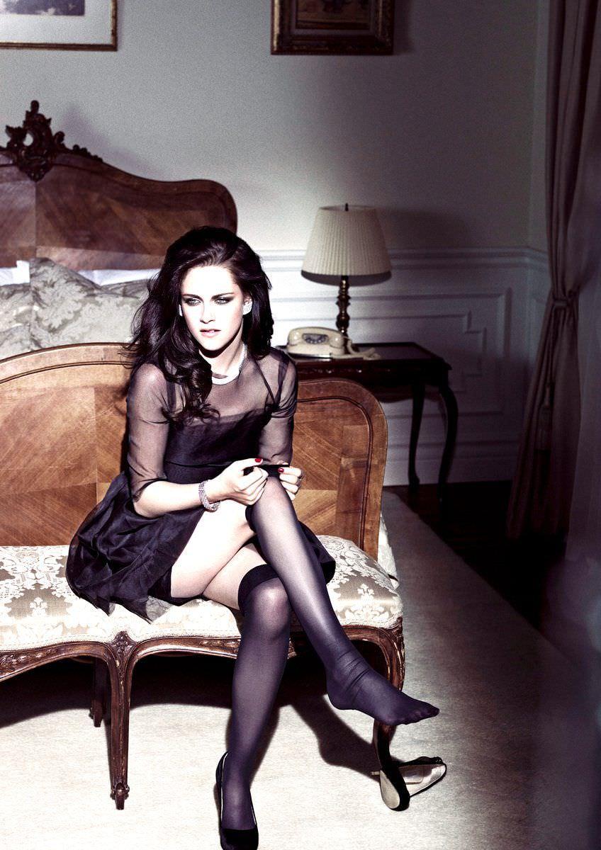 Кристен Стюарт фото в коротком платье