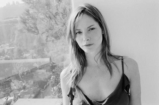 Алиси Браге фото с сигаретой