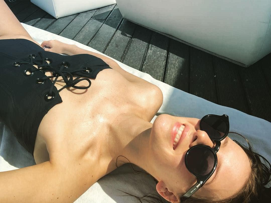 Ирина Старшенбаум фото шезлонге