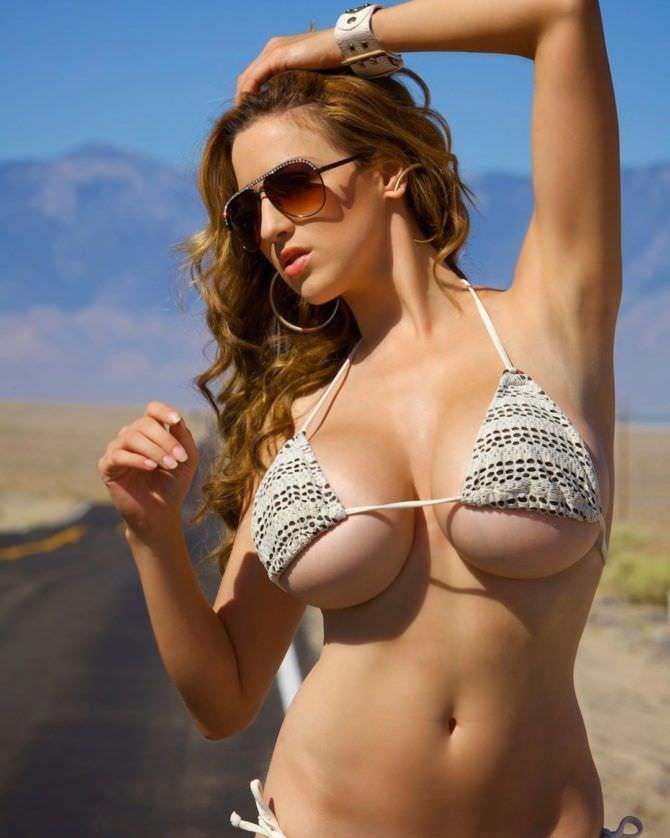 Джордан Карвер фото в бикини в инстаграм