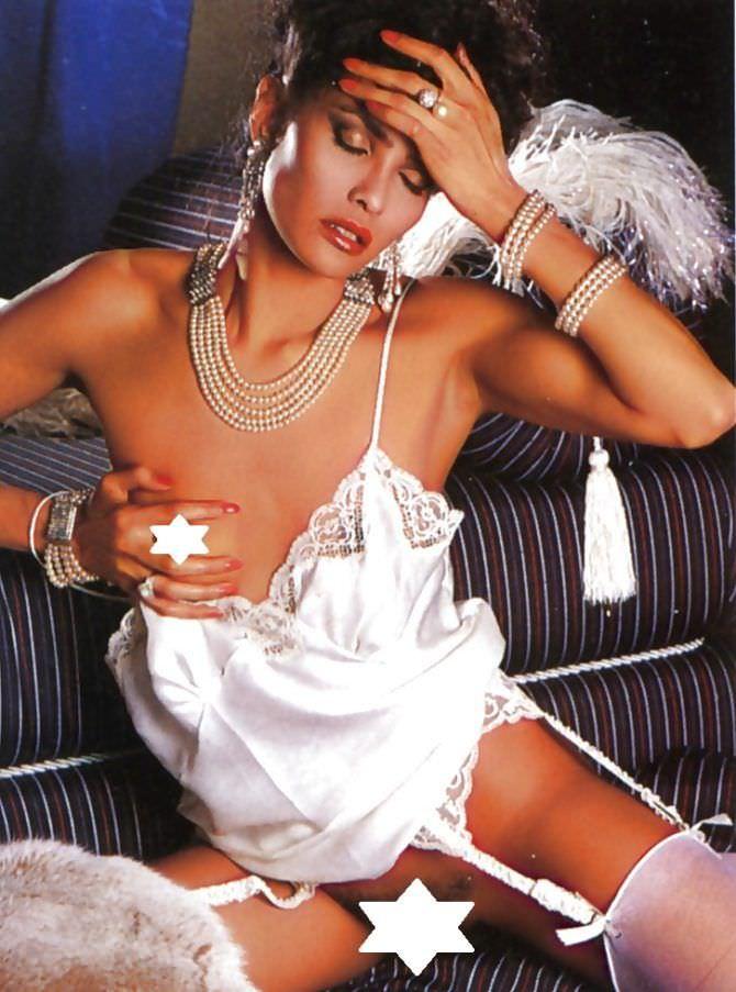 Лаура Гемсер фото в  красивом нижнем белье