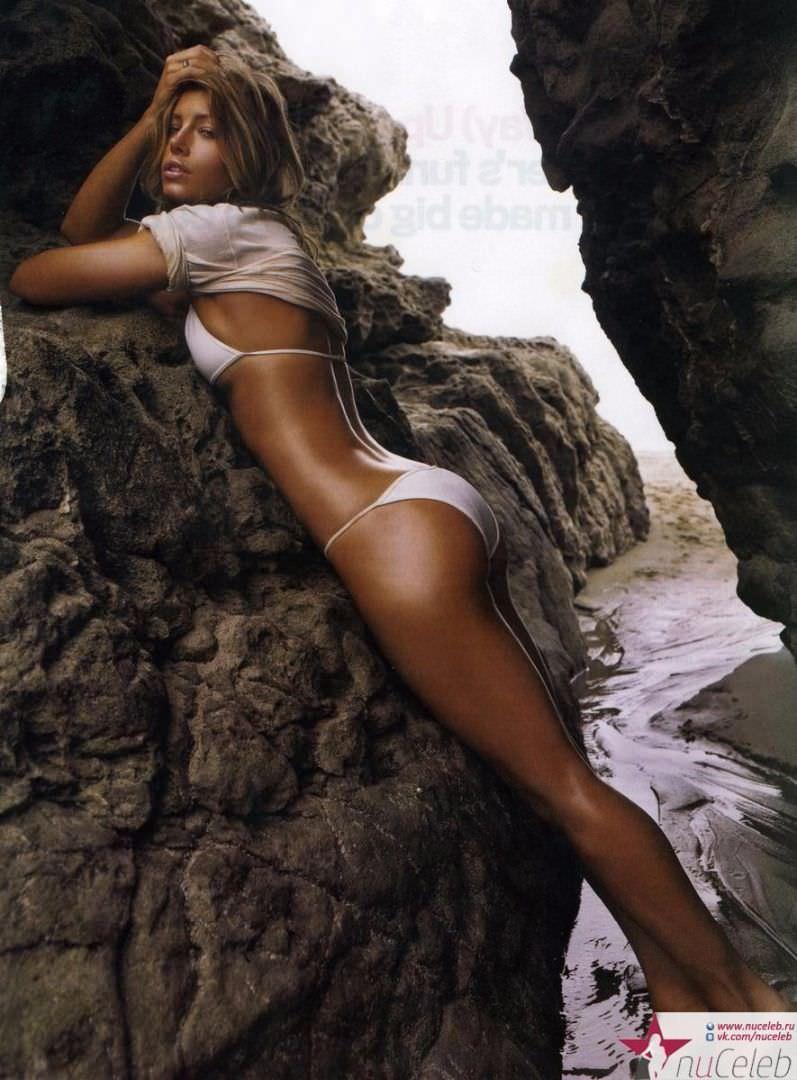 Джессика Бил фото на скалах