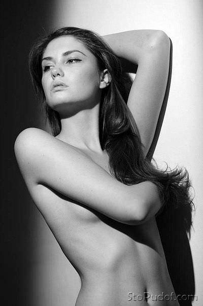 Агата Муцениеце фото без одежды