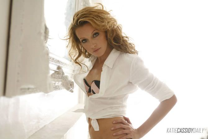 Кэтрин Кэссиди фото в рубашке