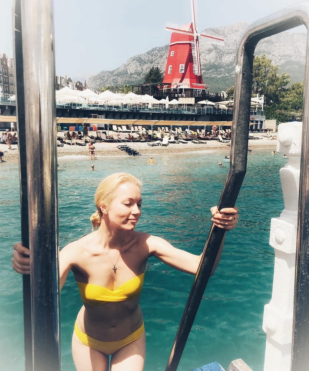 Анастасия Гулимова фото на отдыхе