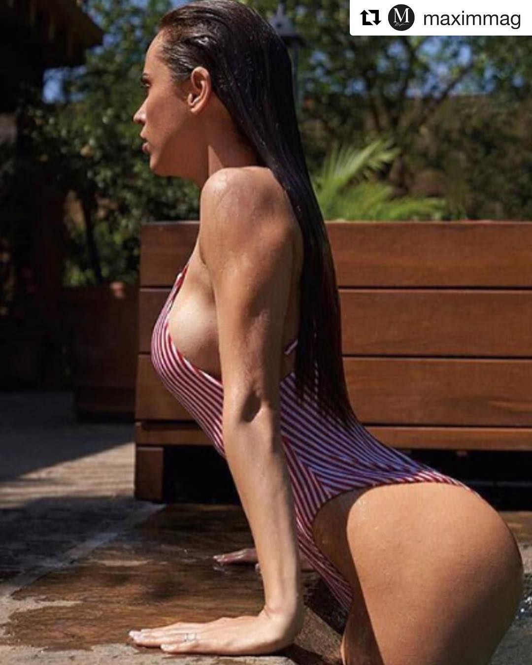 Янет Гарсия фото в купальнике