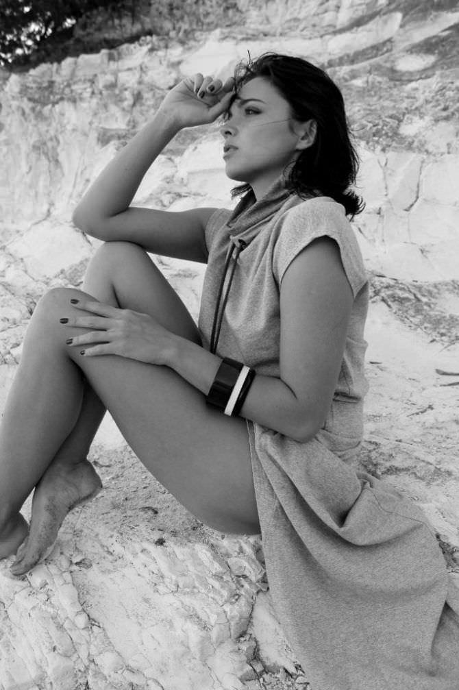 Наталья Земцова чёрно-белое фото на пляже