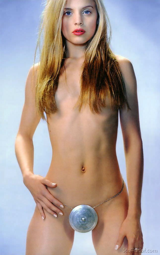 Мина Сувари эротическая фотосессия