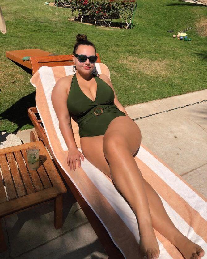 Анна Крылова фотография в купалньике в инстаграм