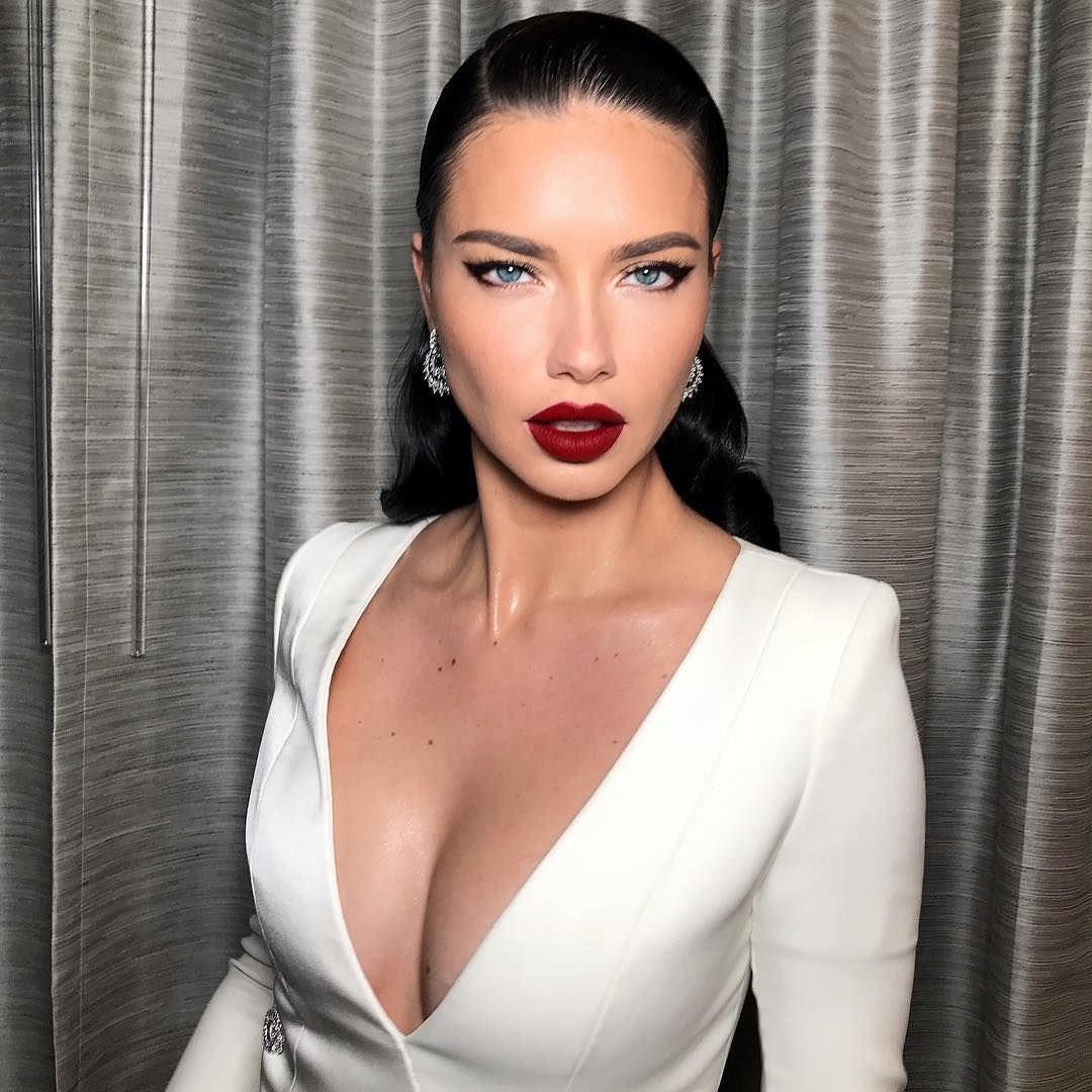 Андриана Лима фото с ярким макияжем