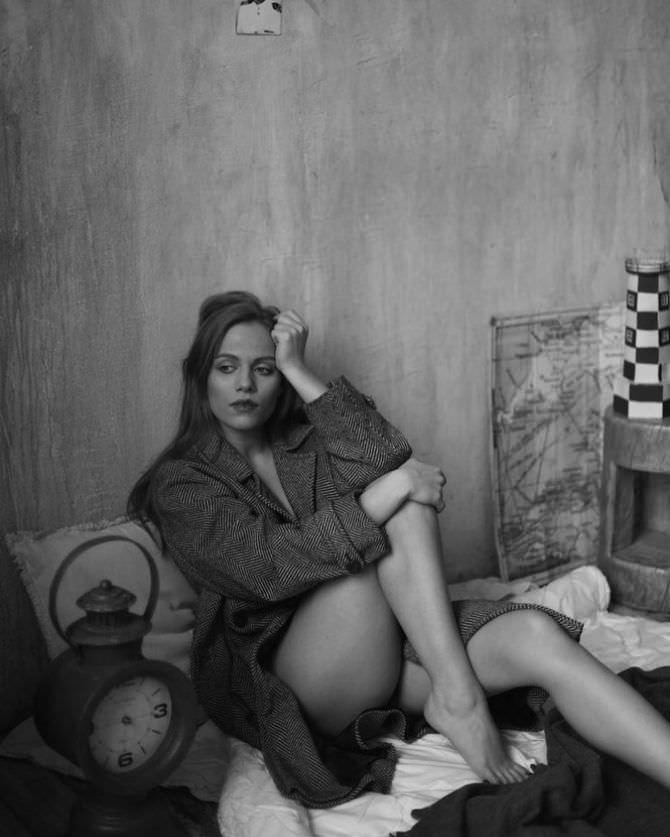 Виктория Клинкова фотография в пальто в инстаграм