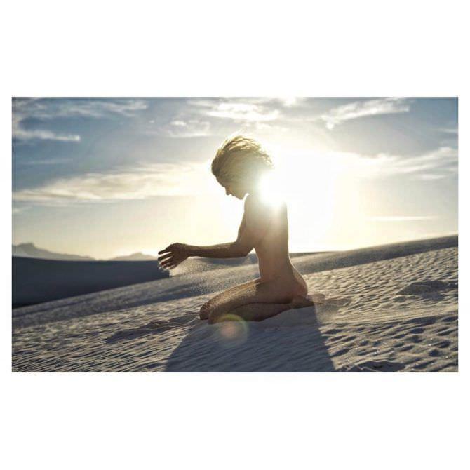 Шантель Вансантен фотосессия в пустыне