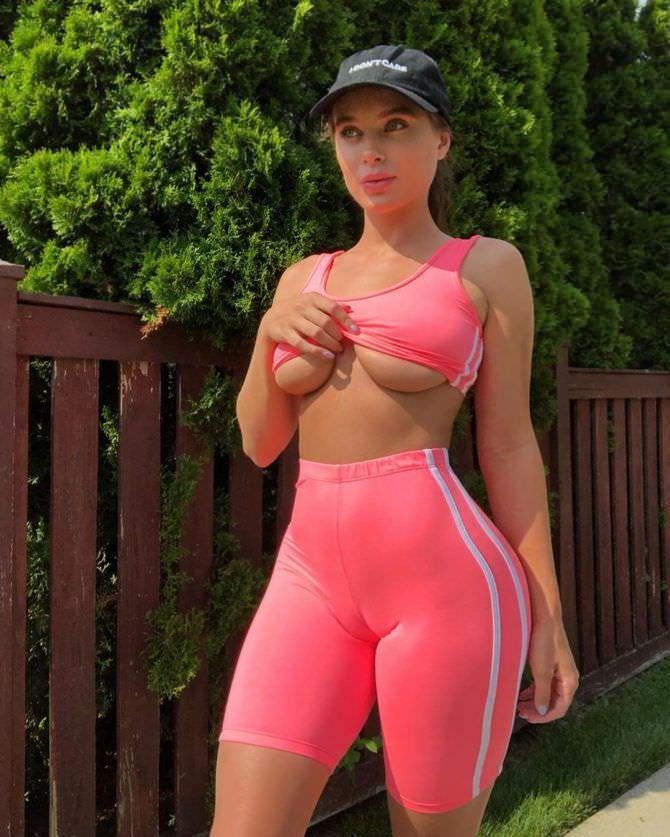 Лана Роудс фото в спортивном костюме