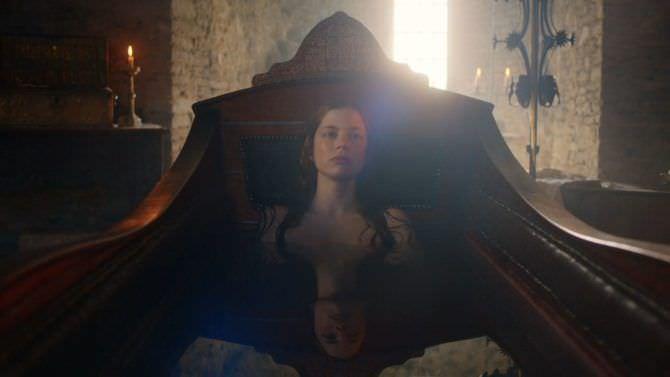 Шарлотта Хоуп откровенное фото из фильма