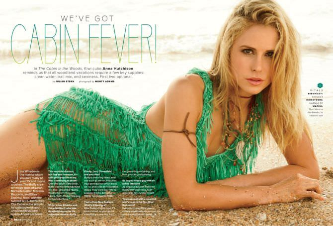 Анна Хатчисон фотография на пляже для журнала