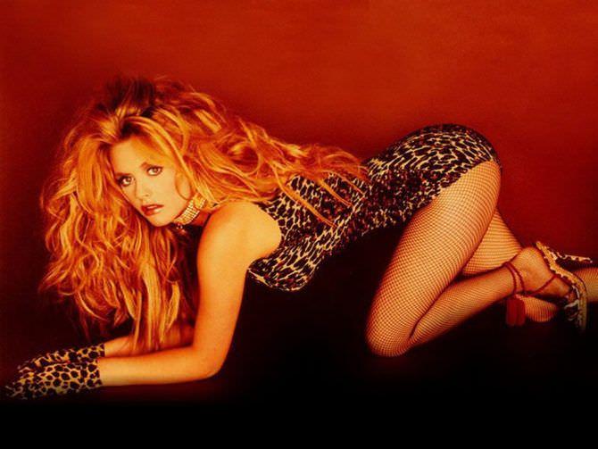 Алисия Сильверстоун фото в леопардовом боди