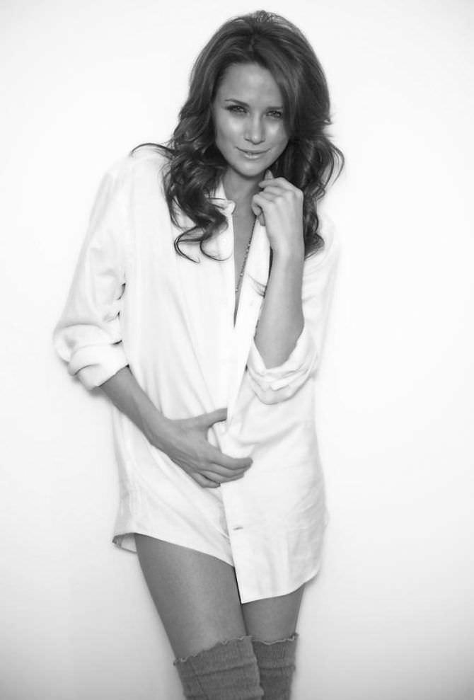Шантель Вансантен фотография в белой рубашке
