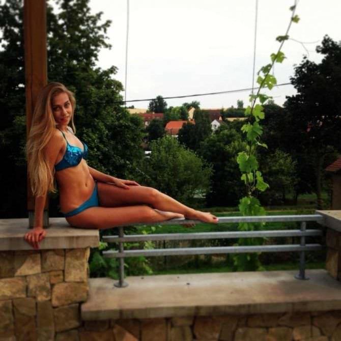 Ольга Веникова фотография в синем купальнике