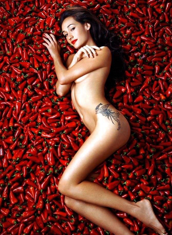 Мэгги Кью фото в красных перцах