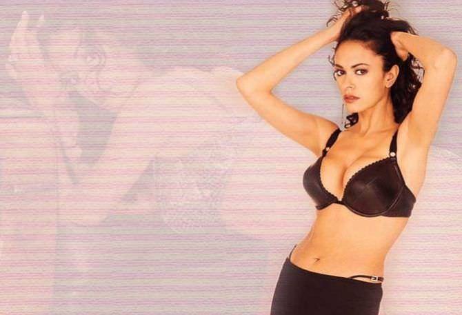 Мария Грация Кучинотта фотография в молодости в нижнем белье