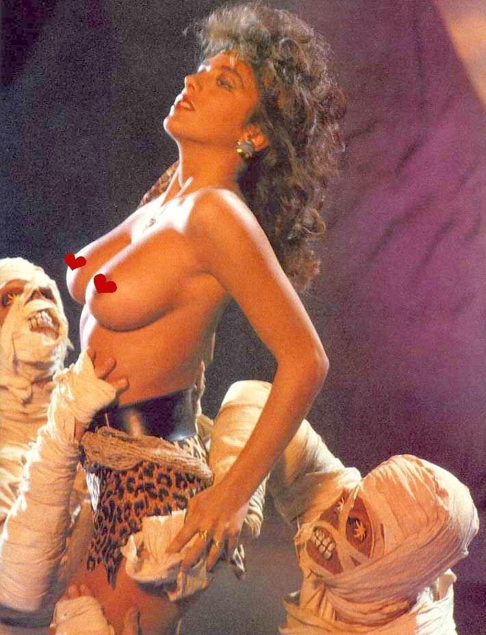 Сабрина Салерно в леопардовом белье